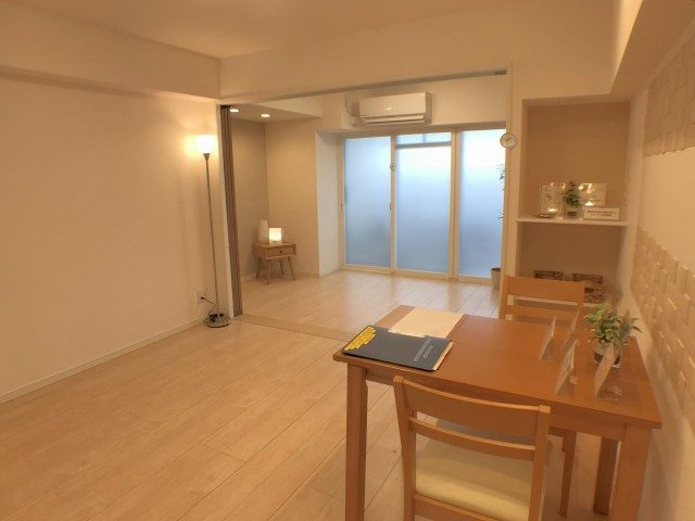 麻布霞町マンション LD~洋室