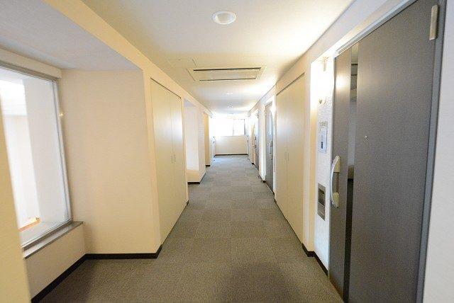 シティハウス新宿柏木 内廊下