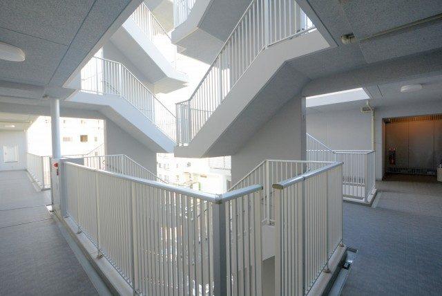 プレミストベイフォートスクエア豊洲 )外廊下