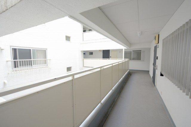 南平台マンション 外廊下