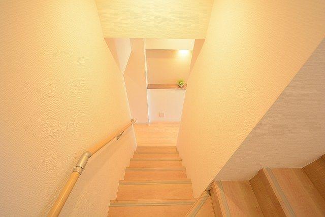 ハヤマビル 階段