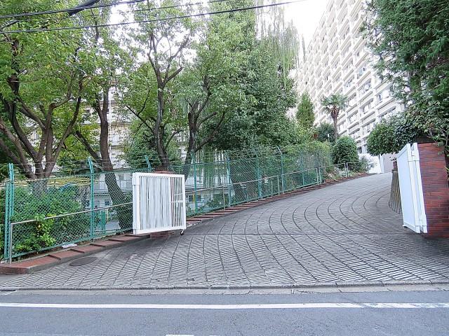 グリーンヒル新宿 アプローチ