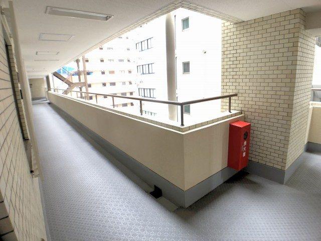 初台パークサイドハイツ 外廊下