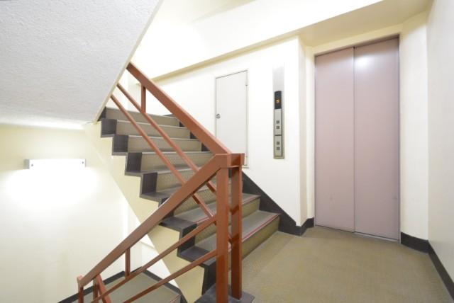 中野坂上マンション 玄関
