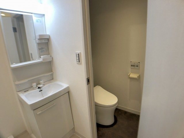 赤坂南部坂ハイツ トイレ