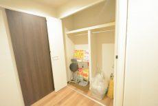 マンション駒場 洋室2