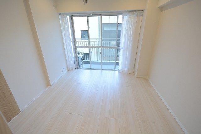 神楽坂ハウス 洋室2