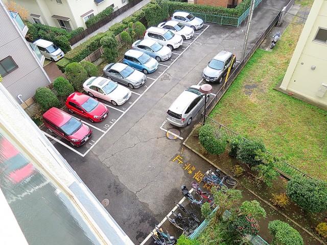 三井馬事公苑南ハイツ 駐車場