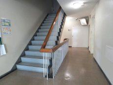 マンション駒場 共用廊下