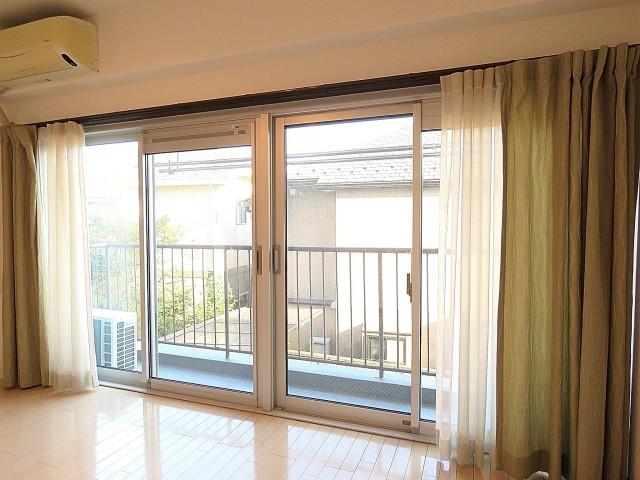 玉川台スカイマンション 洋室窓