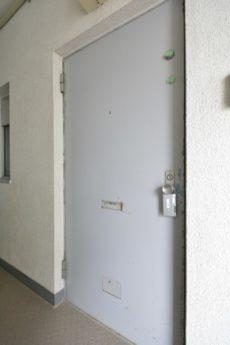 ニュー池尻マンション 玄関