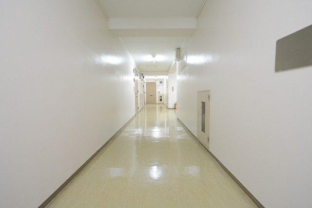 ファミール太子堂 内廊下