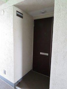 山王スカイマンション 玄関前