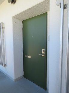 ファミリータウン東陽 玄関扉