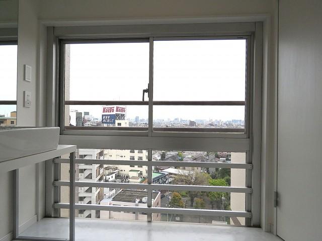 ライオンズマンション駒沢 洗面室窓
