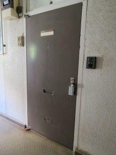 東山コーポラス 玄関扉