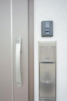 三田ナショナルコート (4)玄関