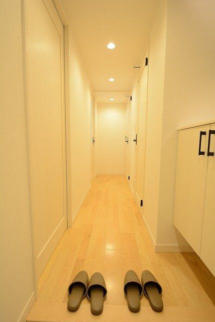 西新宿ハウス 玄関