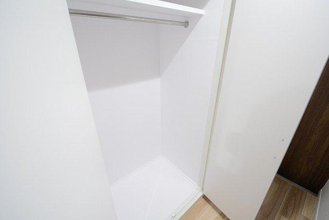 グランドメゾン新宿東 廊下収納