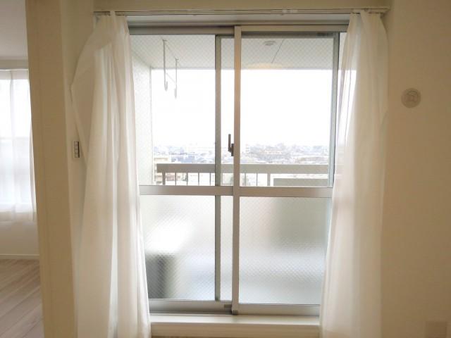 深沢コーポラス 洋室窓