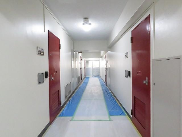 新中野マンション 共用廊下