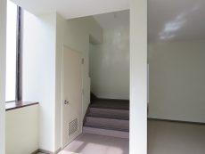 四谷軒第5経堂シティコーポ 共用階段