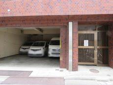 グランドメゾン新宿東 駐車場