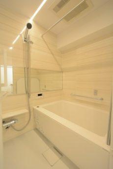 御苑フラワーマンション 浴室