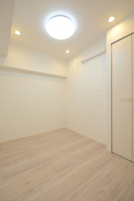 御苑フラワーマンション 洋室2