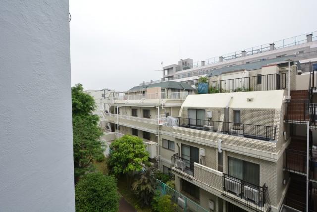 四谷軒第5経堂シティコーポ 洋室2南向バルコニー