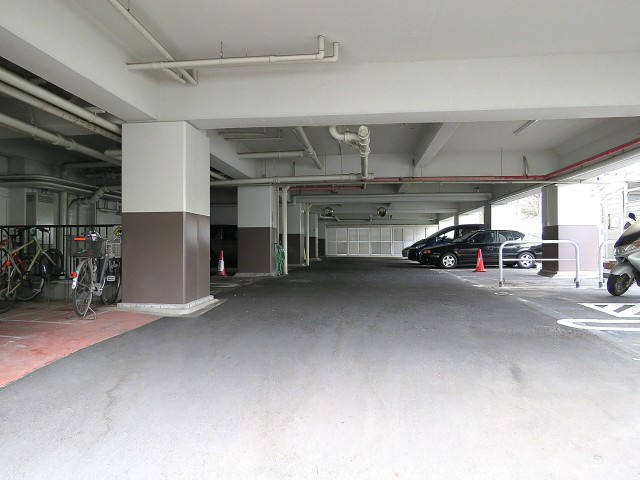 柿の木坂東豊エステート 駐車場