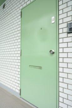 アルテール新宿 玄関