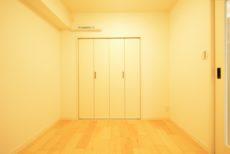 シャンボール小石川 洋室2