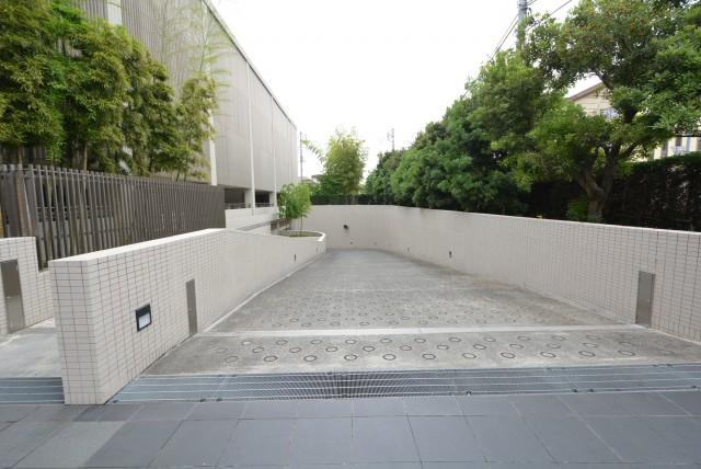 井の頭公園パークハウス吉祥寺南町 駐車場