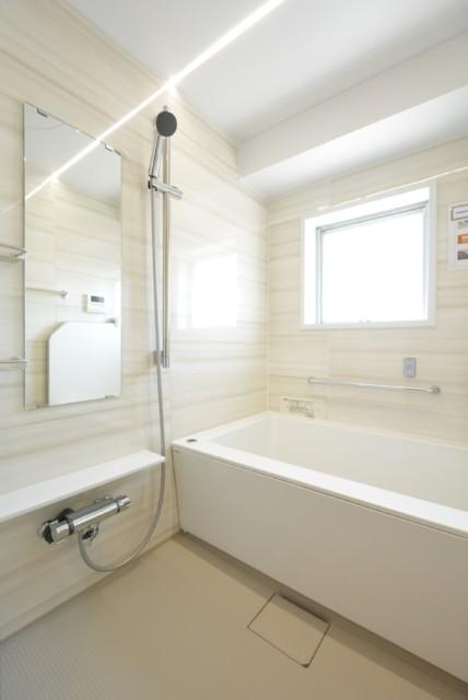 トーエイ高井戸 浴室