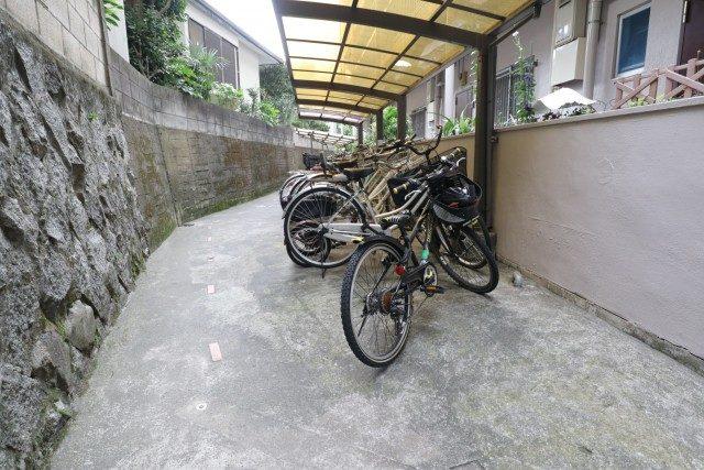 四谷軒第1経堂シティコーポ 駐輪場