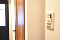 三軒茶屋スカイハイツ 玄関