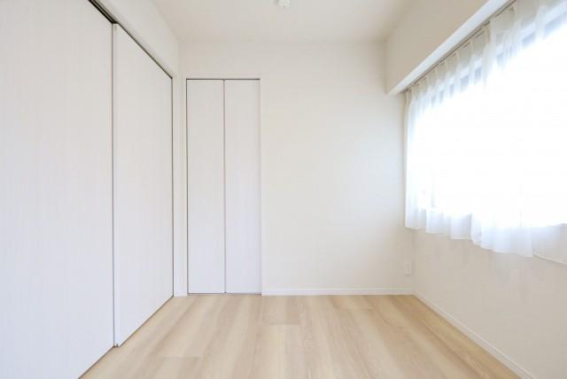 マンション小石川 洋室1