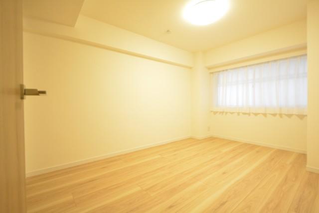 初台中央マンション 洋室1