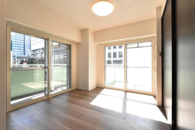 アルテール新宿 洋室2