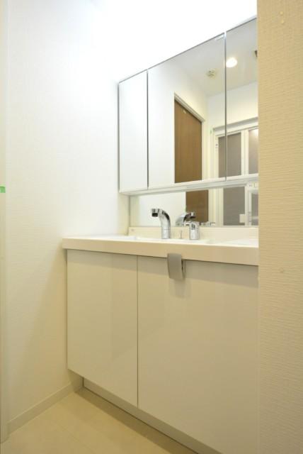 三軒茶屋ターミナルビル 洗面室