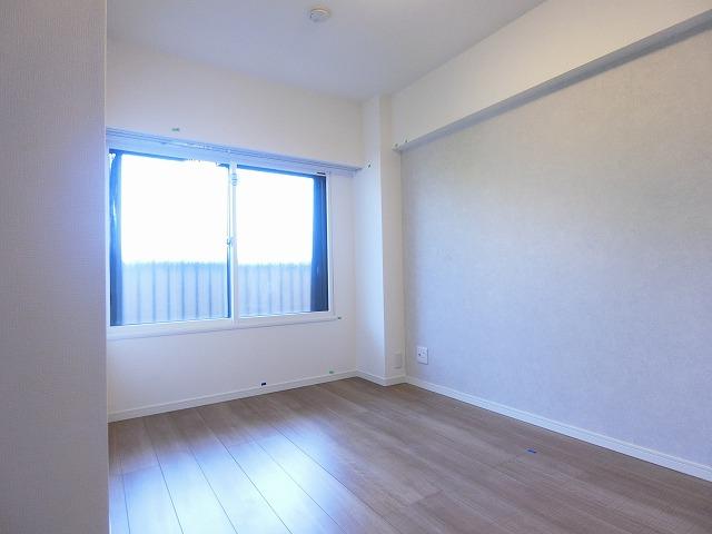 南青山サマリヤマンション8洋室1