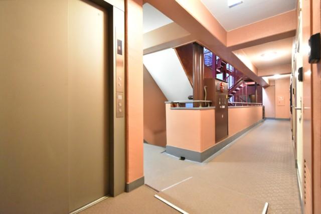 クレべール西新宿 玄関