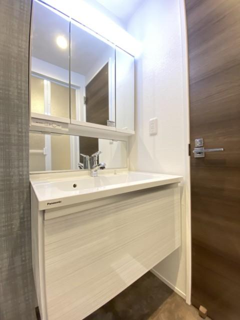 南青山サマリヤマンション 洗面室