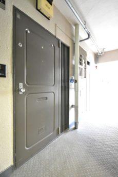 大森駅前住宅1号棟 玄関