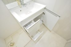 ノア新宿 洗面室