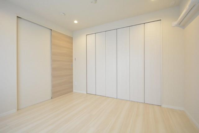 三田ナショナルコート 洋室1