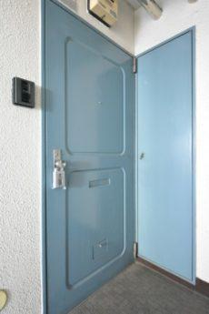 ハイライフ用賀 玄関