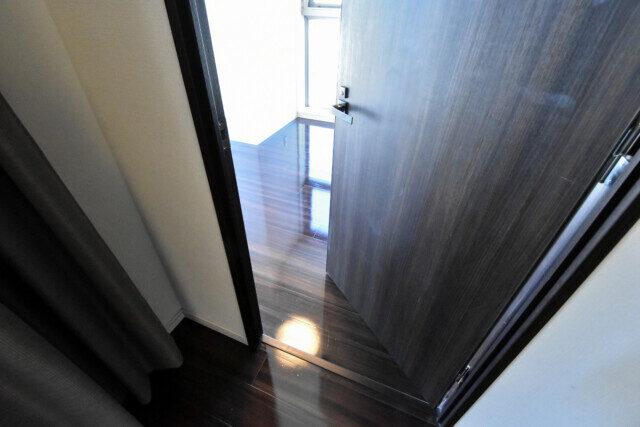 インプレストタワー芝浦エアレジデンス 洋室1入口