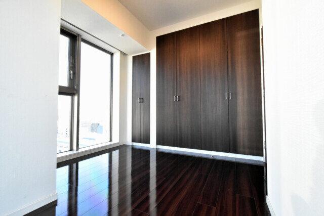 インプレストタワー芝浦エアレジデンス 洋室1収納